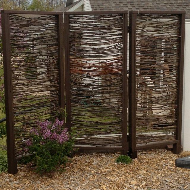 outdoor retractable screen